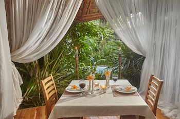Buena Vida Resort And Spa Malapascua Couples Dining