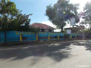 Woodruffs Beach Resort Argao Exterior