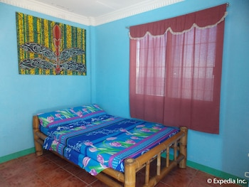 Woodruffs Beach Resort Argao Guestroom