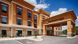 Best Western Plus Elmendorf Hotel