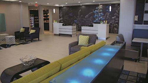 . La Quinta Inn & Suites by Wyndham Odessa N. - Sienna Tower