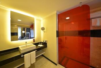 Park Inn by Radisson Ankara Cankaya - Bathroom  - #0