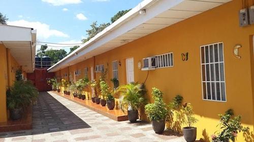 . Apartamentos Los Angeles Managua