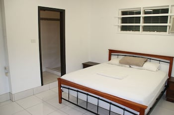 Shared Dormitory, Women only (10 Beds)