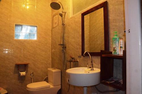 Golden Empress Hotel, Taunggye
