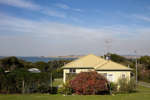 Lady Barron Holiday Home, Flinders