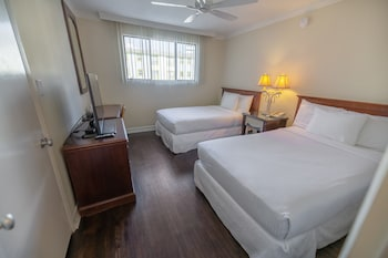 Suite, Multiple Beds, Courtyard Area