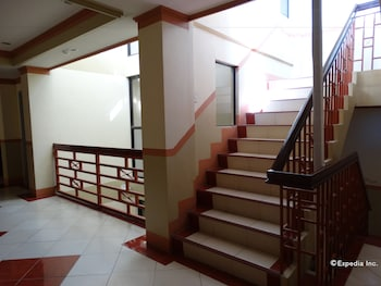 Imperial Ridge Pension House Tagbilaran Staircase