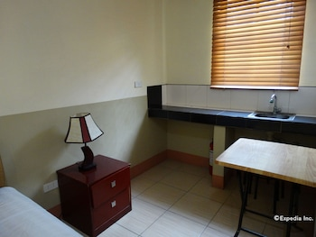 Imperial Ridge Pension House Tagbilaran Guestroom