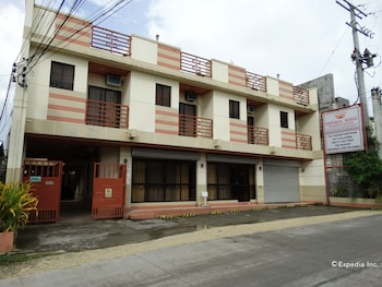 Imperial Ridge Pension House Tagbilaran Hotel Front