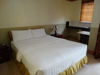 IMPERIAL RIDGE PENSION HOUSE Tagbilaran Bohol