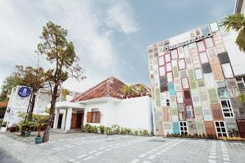 Hotel - Adhisthana Hotel