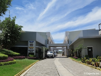 Lucky 9 Budget Hotel Davao Del Norte Property Grounds