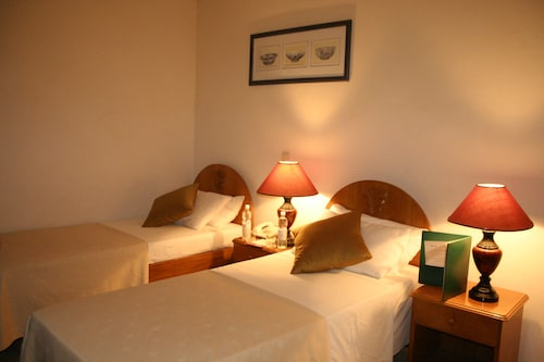 . Sunshine Hotel