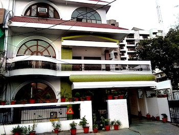 OYO 1806 Hotel Platinum House - Hotel Front  - #0