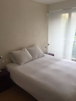 Hotel - Short Stay Paris Apartments