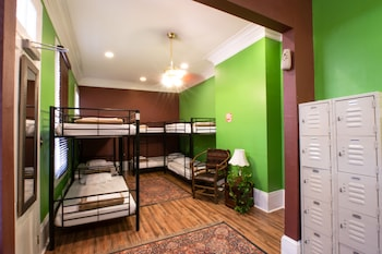 1 Bed in Shared Dormitory, Mixed Dorm, Shared Bathroom (5 bunk beds)