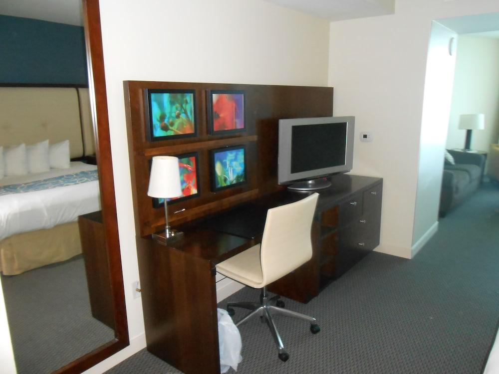 Premier Condo, 1 Bedroom, Ocean View, Oceanfront