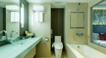 Executive Club at Windsor - Bathroom  - #0