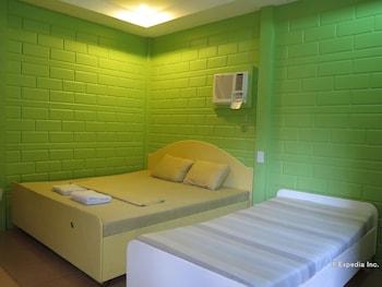 Alexis Cliff Dive Resort Bohol Guestroom