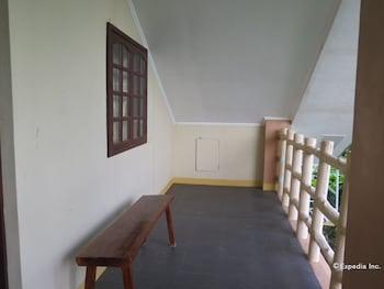 Alexis Cliff Dive Resort Bohol Terrace/Patio