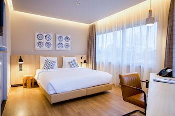 Urban Lodge Hotel