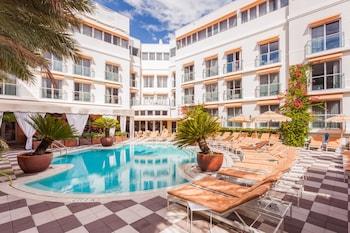 The Plymouth Miami Beach