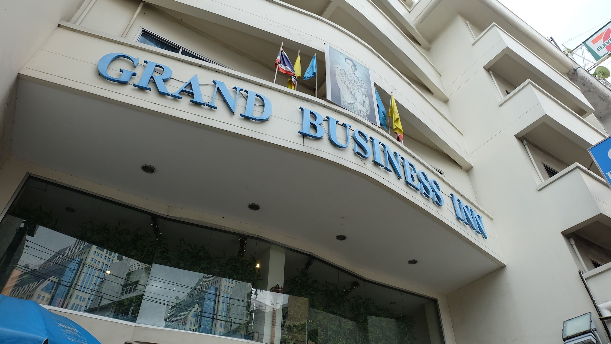 Grand Business Inn, Khlong Toey