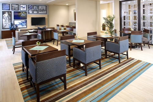. Hawthorn Suites by Wyndham Wheeling at the Highlands