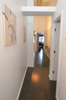 Luxury Apartment, 3 Bedrooms, City View, Corner (1 King, 2 Queen Beds, & 1 Double)