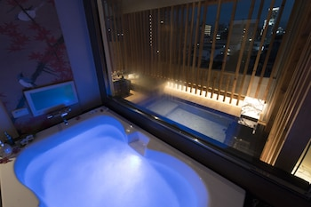 HOTEL ZEN - ADULTS ONLY Indoor Spa Tub