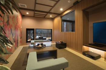 HOTEL ZEN - ADULTS ONLY In-Room Dining