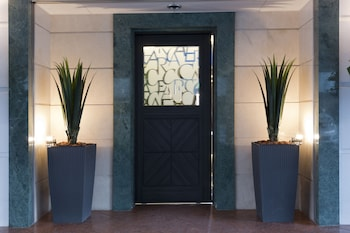 HOTEL CREA - ADULTS ONLY Interior Entrance