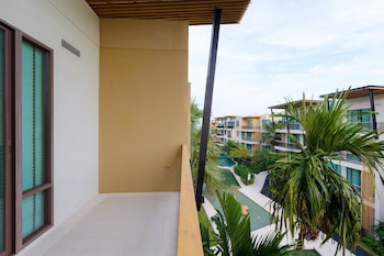 Apartment, 2 Bedrooms, Pool View