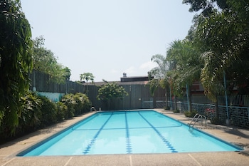 E-MO Dormitory Hostel Cebu Outdoor Pool