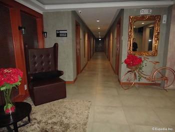 Big Hotel Cebu Hallway