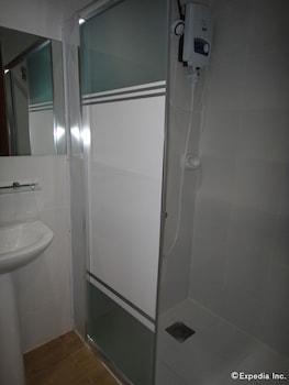 Big Hotel Cebu Bathroom