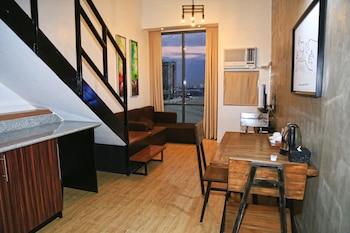Big Hotel Cebu Living Area