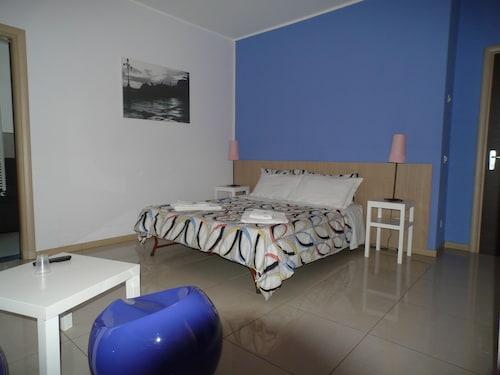 . C.C.Ly Rooms & Hostel Enna