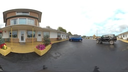 NovaStar Motel on the Lake (formally El Rancho Motel)