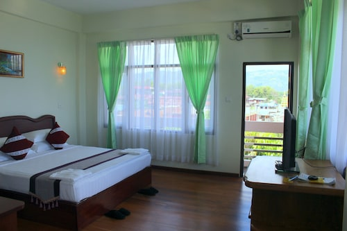 Golden Dream Hotel, Taunggye
