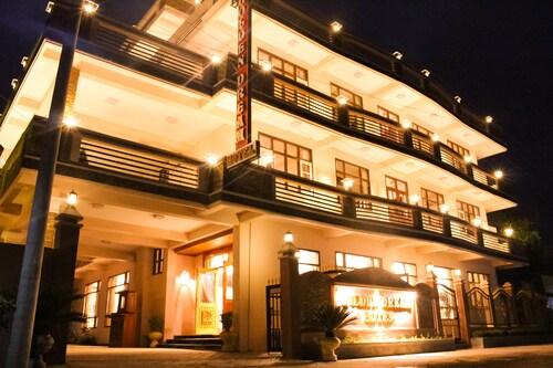 Golden Dream Hotel, Taunggye