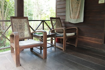 タイ チーク ハウス ガーデン ホームステイ