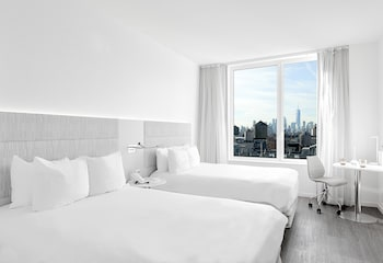 The Innside Room - 2 Double Beds - City View