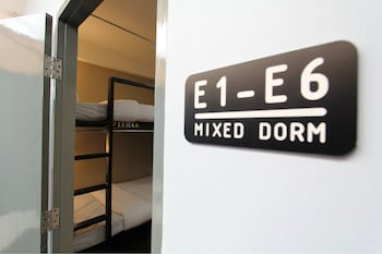 4 Beds Mixed Dorm H