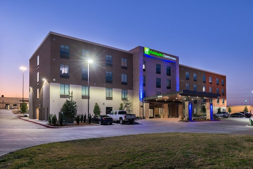. Holiday Inn Express & Suites Fort Worth West, an IHG Hotel