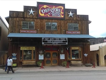 Hotel - Fort Davis Drug Store and Hotel