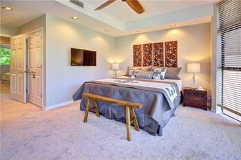 Napili Gardens Unit 13 by RedAwning