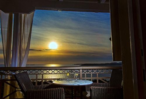 . Sunshine Resort