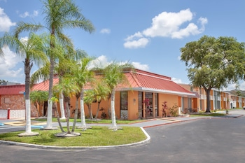 Hotel - Travelodge by Wyndham Kissimmee East